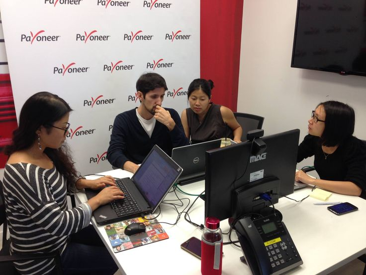 The Payoneer team is getting ready to start another webinar for the Chinese market! #behindthescenes