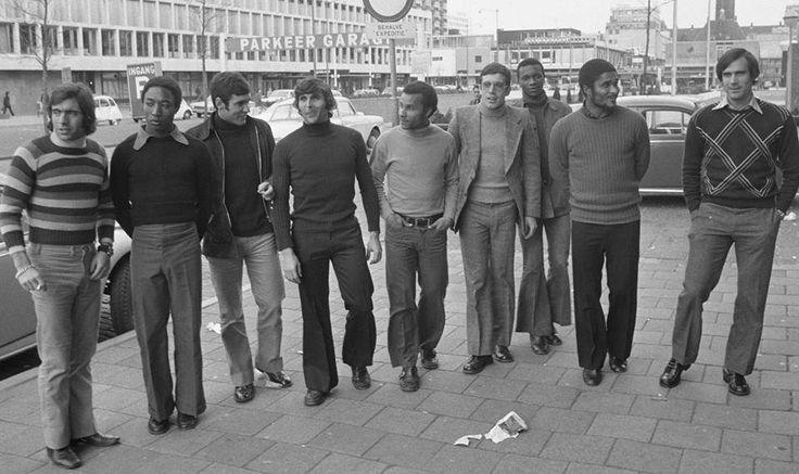 Antes do Feyenoord-Benfica, em 1972, na primeira mão dos quartos de final da Taça dos Campeões Europeus! Adolfo, Jordão, Toni, Jaime Graça, Zeca, Humberto Coelho, Messias, Eusébio e Malta da Silva.
