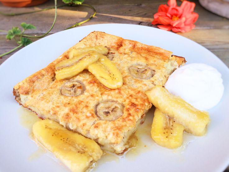 Extra god glutenfri ugnspannkaka med banansmak. Variera den vanliga ugnspannkakan genom att mosa ner bananer i smeten. Ät pannkakan till frukost, lunch, middag, mellanmål, fika eller efterrätt -...