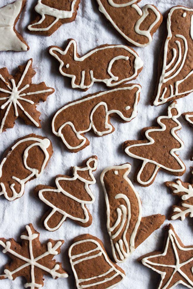 Spelt Gingerbread with Fresh Ginger, Cardamom, Cinnamon, Cloves, Nutmeg, and Black Pepper {Vegan}