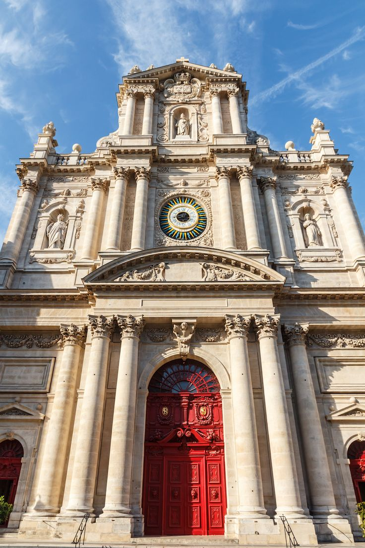 Saint-Paul-Saint-Louis in Le Marais. Click to read where to go and what to see.
