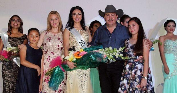"""Presentan a Stephanie, Reina del 268 Aniversario de San Fernando """"Nuestra Fundación, Nuestra Fiesta"""" - http://www.esnoticiaveracruz.com/presentan-a-stephanie-reina-del-268-aniversario-de-san-fernando-nuestra-fundacion-nuestra-fiesta/"""