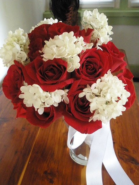 Bridal Bouquet In Mumbai : Best images about bridal bridesmaid bouquets mother