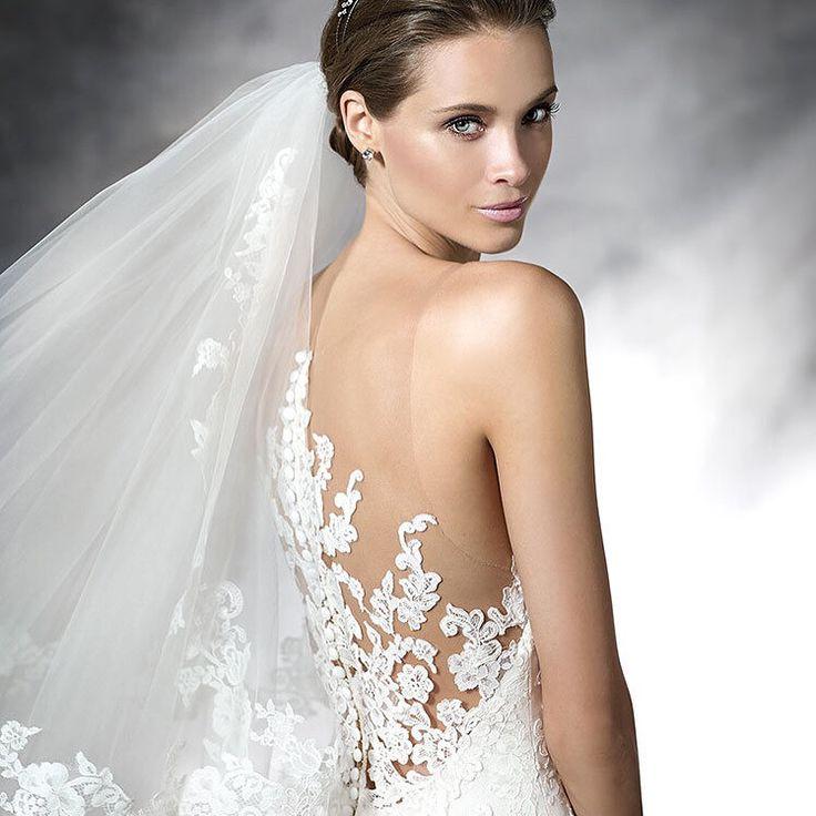 It 39 s all about the back pronovias barcelona spanish for Wedding dresses spanish designer