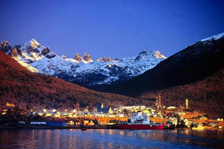 #PuertoWilliams (#CHILE) junto con Ushuaia  en Argentina son las ciudades mes australes del mundo - the most southern cities in the world!