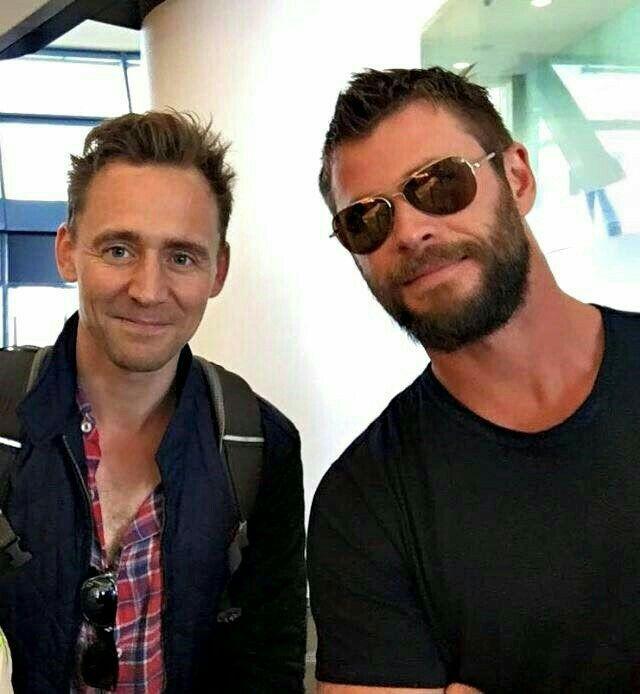 Chris Hemsworth y Tom Hiddleston, de voyage por el mundo❤