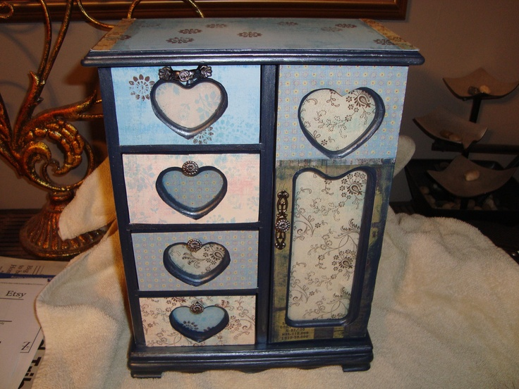 Custom jewelry boxes - check out the boxes available. $25.00, via Etsy.