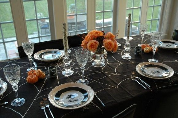 Paint a spider web onto a black cotton tablecloth. Add some some orange and you've got this.Halloween Parties, Tables Sets, Tables Scapes, Halloween Tablescapes, Diy Halloween Decor, Dining Tables, Tables Decor, Halloween Ideas, Happy Halloween