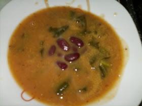 Sopa de feijão vermelho e couve portuguesa