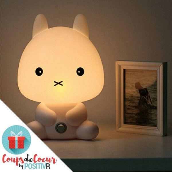 Une veilleuse lapin blanc en plastique : pour égayer les nuits
