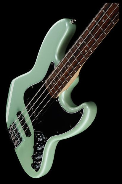 Fender Deluxe Active Jazz Bass SFP - Thomann UK
