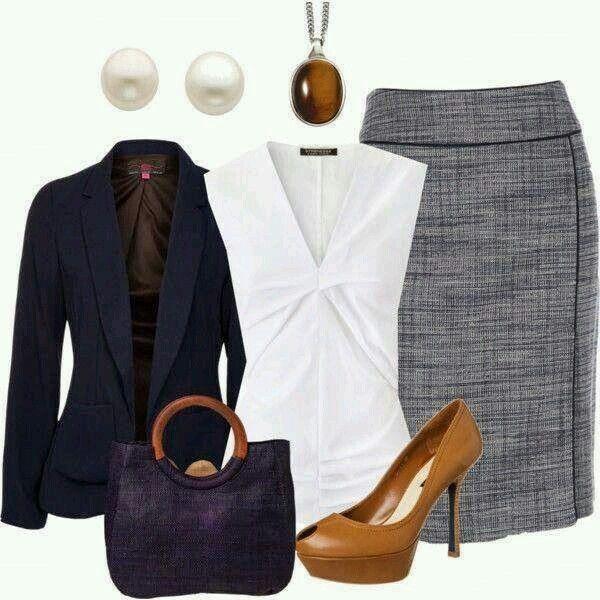 Falda gris y saco azul