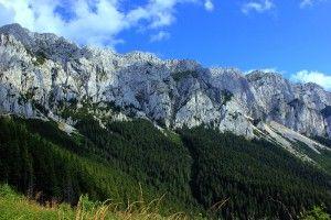 Turism de grup pentru persoane single Singles Camp&Travel