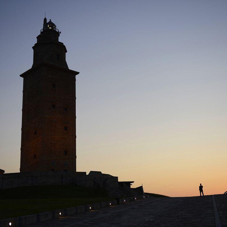 La Torre de Hércules recibe cerca de 32.000 visitantes entre enero y mayo y supera las cifras del año pasado.   Además, la Torre ha comenzado a funcionar en horario de verano desde ayer miércoles 1 de junio: de 10:00 a 21:00 horas, con el último acceso a las 20.30 horas. Así será hasta finales de septiembre
