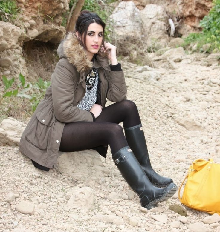 Carol wearing her Wellingtons 13 - Beach | Girls wearing ...