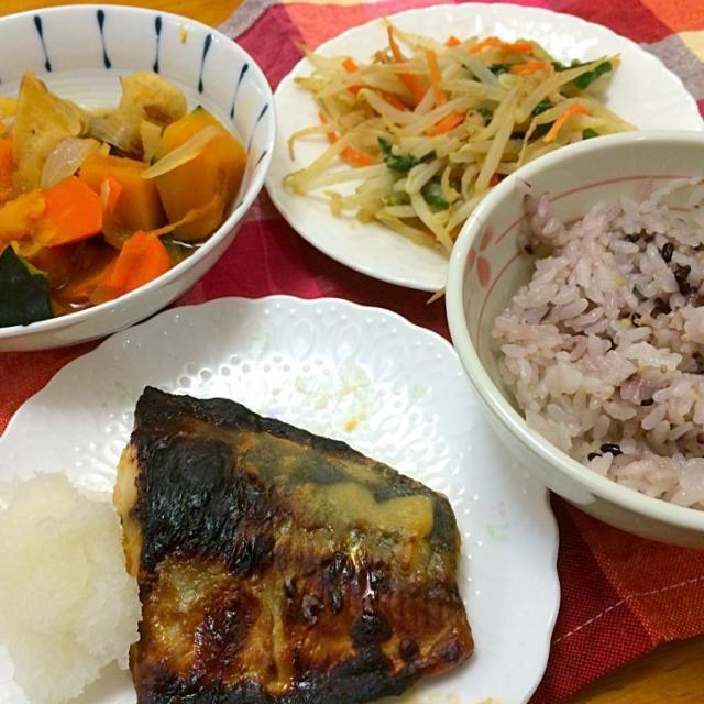あじの西京漬け焼き*野菜の煮物*胡麻炒め*雑穀米 - 5件のもぐもぐ - 夕ご飯 by 悠里