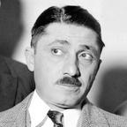 """Francesco Raffaele Nitto, más conocido como Frank Nitti o Frank """"The enforcer"""" Nitti (traducido al español Frank """"El ejecutor"""" Nitti), apodo que recibía por obligar con violencia a obedecer sus órdenes a la gente. Gánster italoestadounidense, fue uno de los principales secuaces de Al Capone y más tarde el nuevo jefe de la organización creada por Capone, la organización de Chicago."""