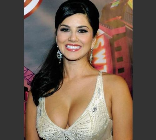 Sunny Leone showing hot cleavage with a smile