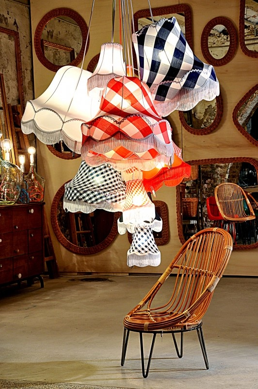 Love the giant gingham on these lampshades!