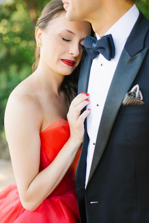 Elegant γαμος με κοκκινο Vera Wang νυφικο|Belinda & Jon  See more on Love4Weddings  http://www.love4weddings.gr/elegant-wedding-red-vera-wang-wedding-dress/  Photography by ANNA ROUSSOS PHOTOGRAPHY   http://www.annaroussos.com