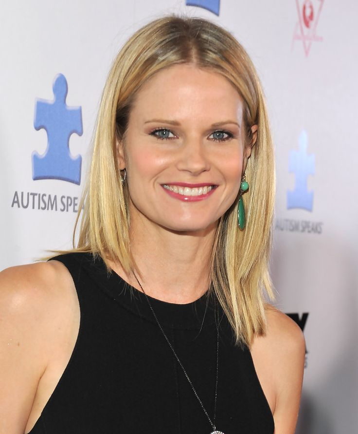 Joelle Carter - love the way she holds herself