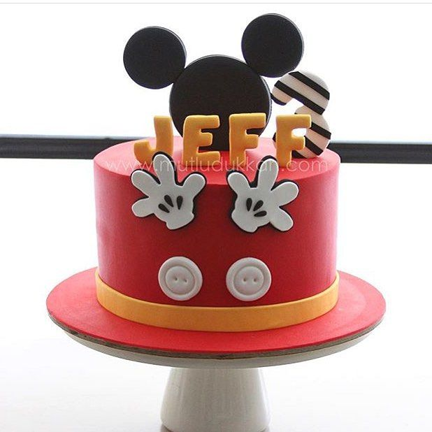 Bolo lindo do Mickey, amei! By @mutludukkan ❤️ #kikidsparty