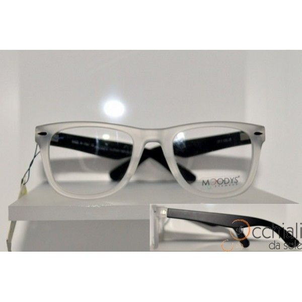 Occhiali da vista CP2 38 Il modello Moodys CP2  è un occhiale da vista che permette a chi lo indossa di sentirsi libero di esprimete la propria personalità. E' caratterizzato da una montatura in celluloide Trasparente Satinato, con aste Nere Satinate, che rende l'occhiale Particolare e Giovanile! Adatto a qualsiasi tipo di viso. Modello Unisex