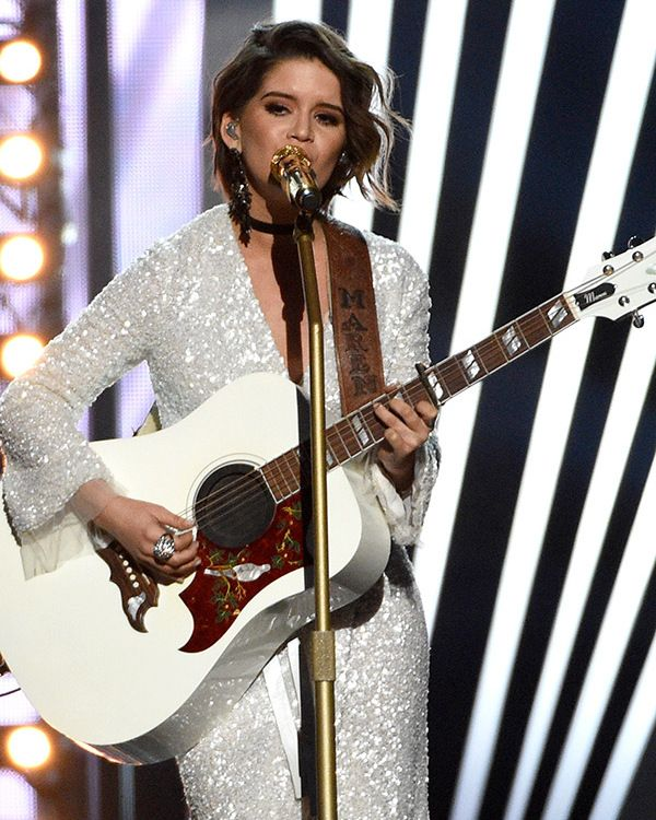 Maren Morris got the best crowd reaction after her stunning 'I could Use A Love Song' performance at the ACMs on April 2! The audience was on their feet for a standing ovation after she…