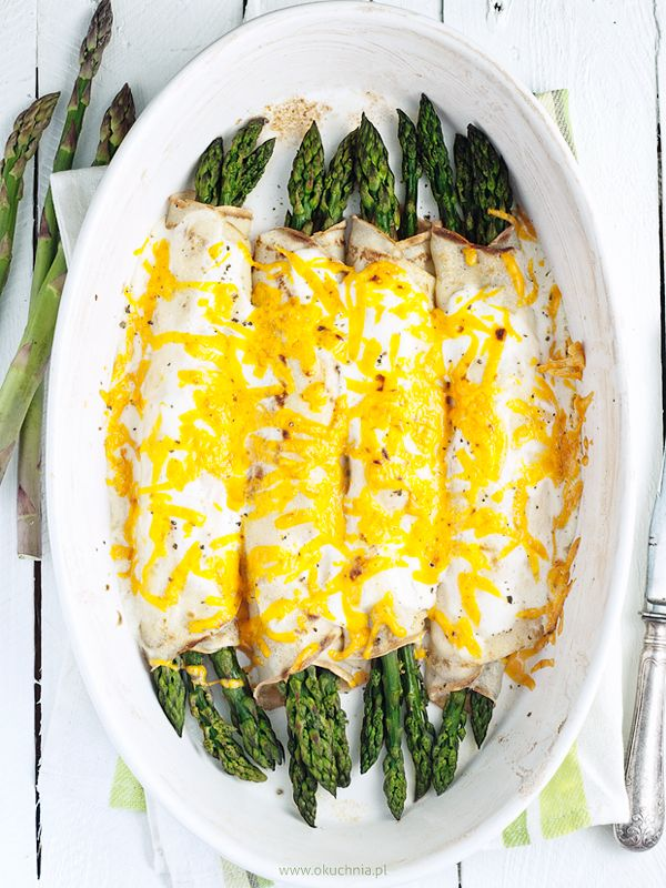 Pancakes baked with asparagus & cheese
