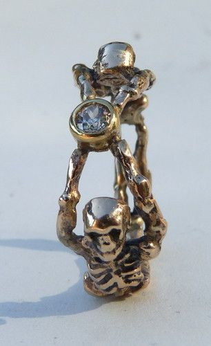Antique Gold Memento Mori Mourning Ring Skull Diamond
