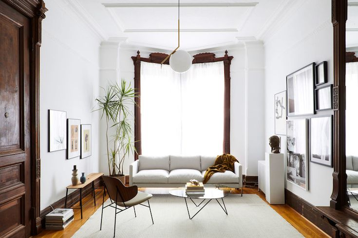 my scandinavian home: Tour a Beautiful Sitting Room in a Brooklyn Brownstone - Photography by Nicole Franzen