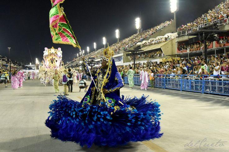 Mangueira carnaval 2017 desfile de segunda-feira. Ensaio fotográfico da Mangueira no Desfile das Escolas da Samba do Grupo Especial, 27 de fevereiro de 2017