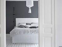 Bilder, Sovrum, Grå, Klassiskt, Säng, Trägolv, linnelakan - Hemnet Inspiration