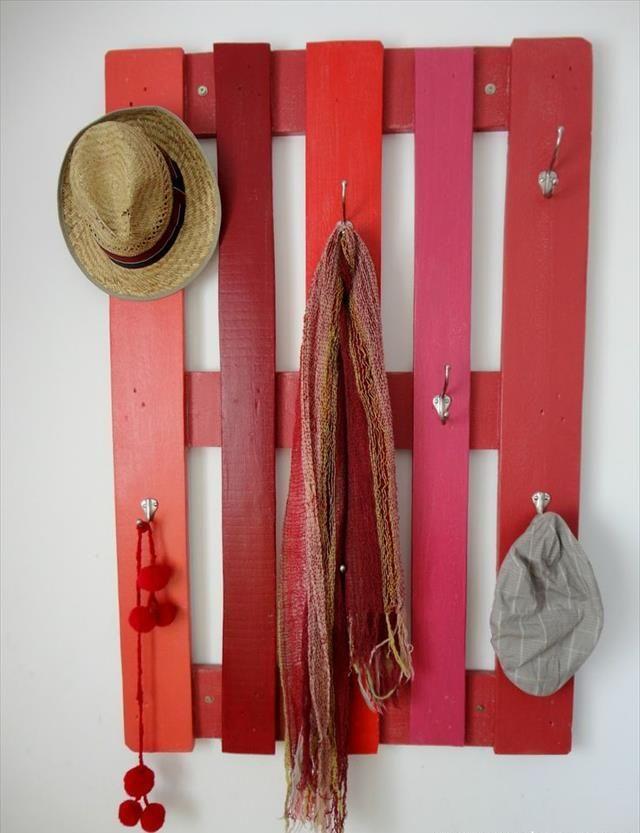 Simple Pallet Wood Coat Rack with Steel Hooks | 99 Pallets