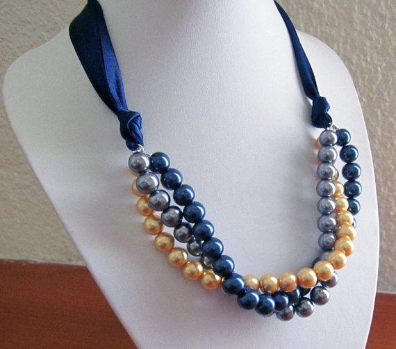 Multi Strand collana di perle tripla / tre Strand di SLDesignsHBJ