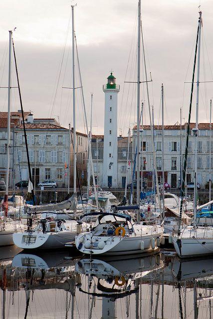 La Rochelle Lighthouse, Poitou-Charentes, France http://www.visit-poitou-charentes.com/en/La-Rochelle-Ile-de-Re