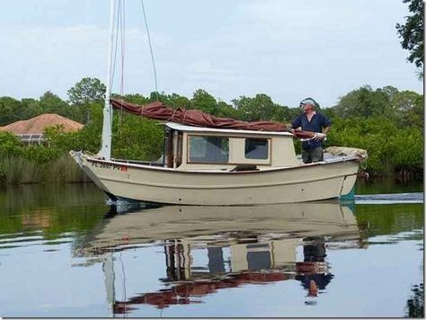 Pin by Mark Reeves on Cruising in 2019   Shanty boat, Boat ...
