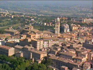 Macerata....Macerata is a medieval walled hill town. Its Universita degli Studi di Macerata draws students from all over the world. Macerata has one of the biggest museums of nativity scenes in Italy