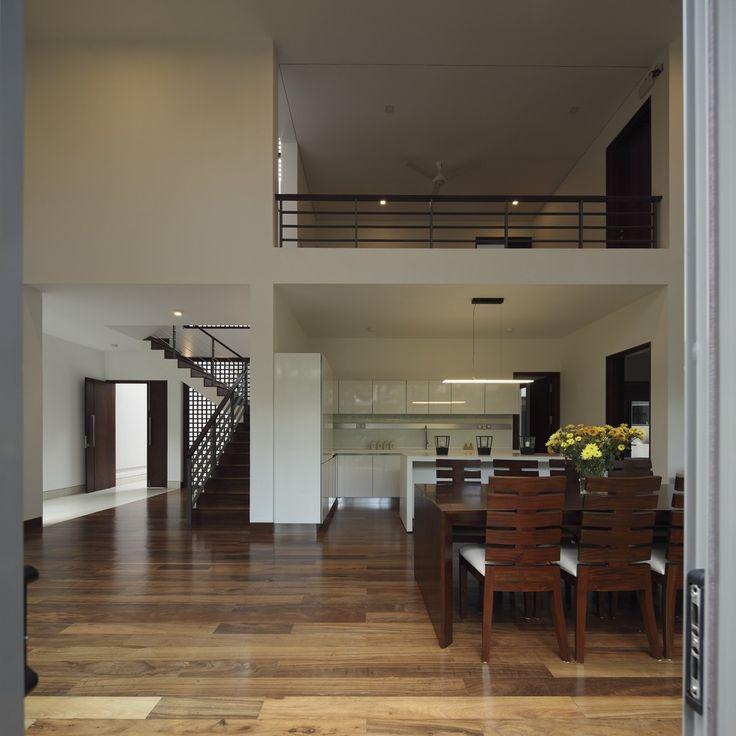 Line through Kitchen, Dining to Courtyard