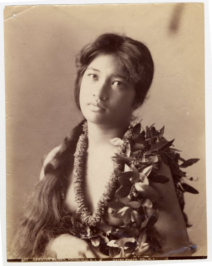 Hawaiian Maiden gelatin silver print Printed by Davey Photo Co in Honolulu, Hawaii late 19th Century The British Museum http://centuriespast.tumblr.com/