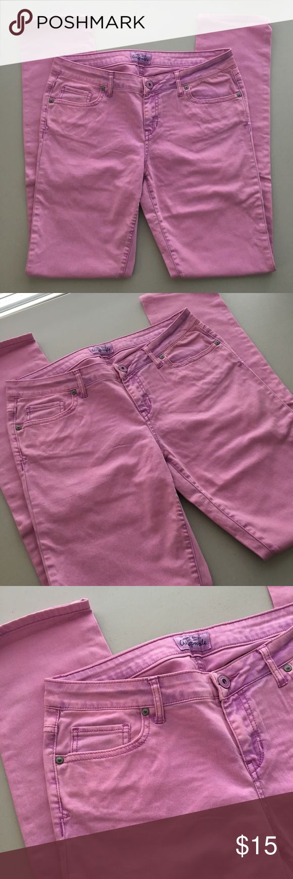 """PASTEL LAVENDER LILAC PURPLE SKINNY DENIM JEANS !! STUNNING & RARE Retro Vintage Older Early 00's 2000's 2000 Y2K Era Aeropostale Cute Kawaii Pastel Goth Lolita Bright Lavender Lilac Purple-Pink Skinny Fitted Denim Jeans Jean Pants. 😈💓😈💗💯  Brand new. Never used. NO flaws.  MSRP: $49.50  Tagged as Women's 11/12, long length. *CHECK ACTUAL MEASUREMENTS BELOW*  •Waist- 16"""" across •Rise (crotch to waist)- roughly 8.5"""" high •Inseam (crotch to bottom hem)- 32.5"""" long  98% cotton + 2% spandex…"""