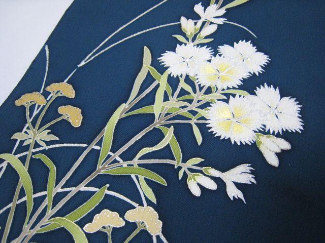 Nadeshiko (撫子) / dianthus, one of the aki-no-nanakusa. Mid-summer to autumn.