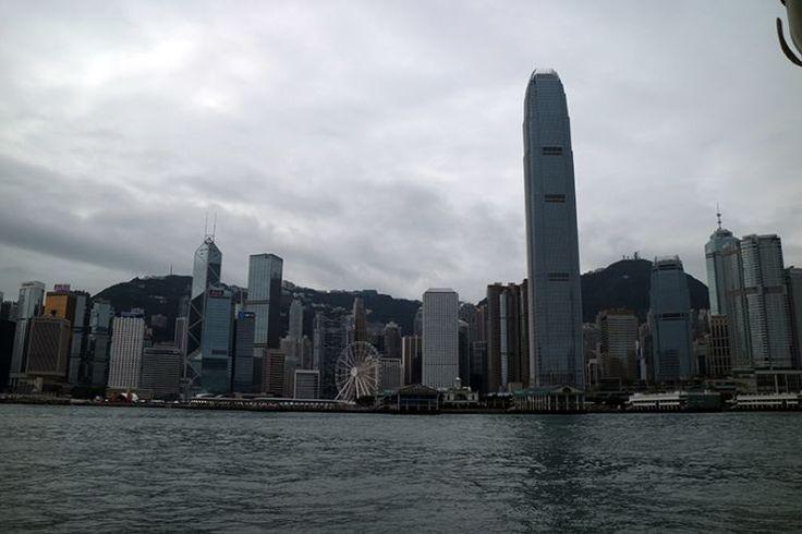 Travel Villain :: The fire returns, fucking Hong Kong.