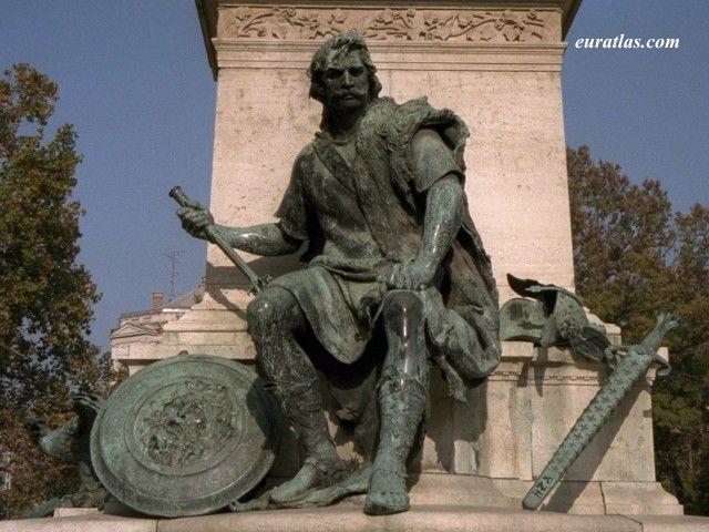 Photo of Budapest, Miklós Toldi, Pedestal of János Arany Statue by Alajos Stróbl -    Hungary