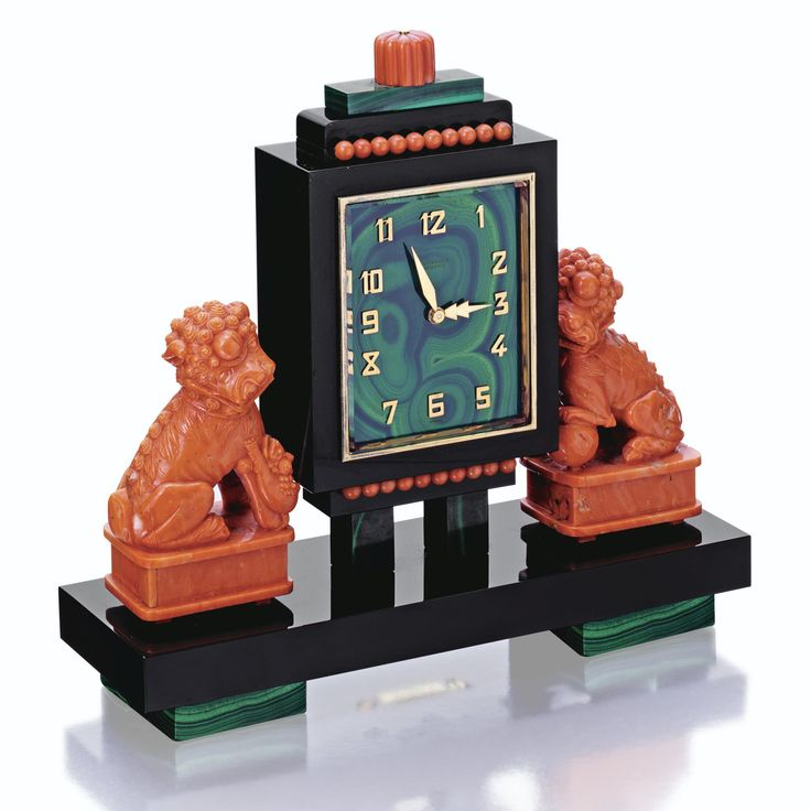 Carved Coral, Malachite and onyx eight-day chinoiserie clock, Vacheron Constantin, retailed by E. Gubelin, circa 1940