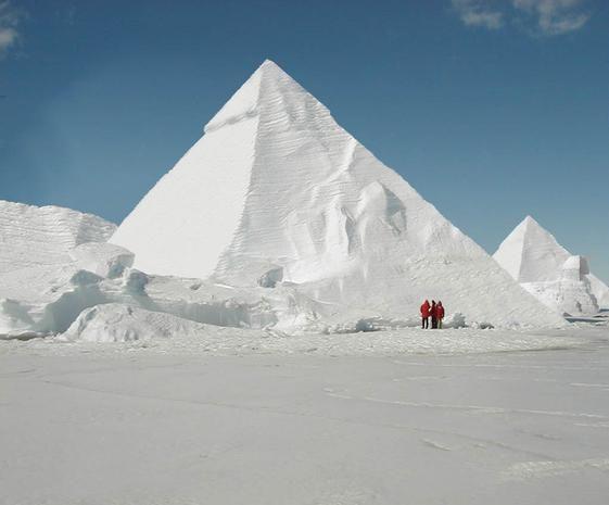Piramides De Nieve