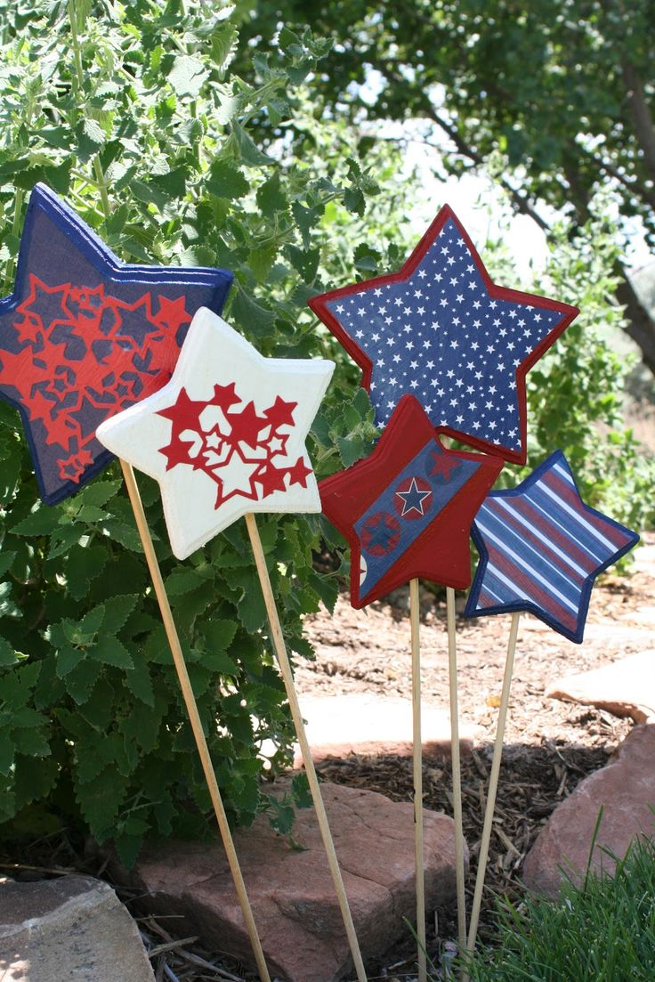 Fourth of July yard decorations