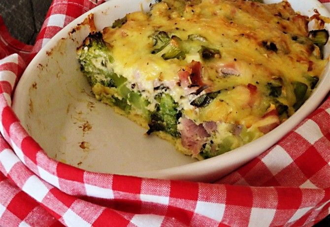Sonkás-sajtos-tojásos brokkoli