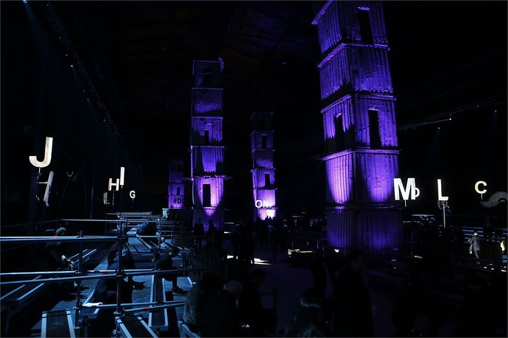 Atmosfera dsquared2 milano fashion week 2015