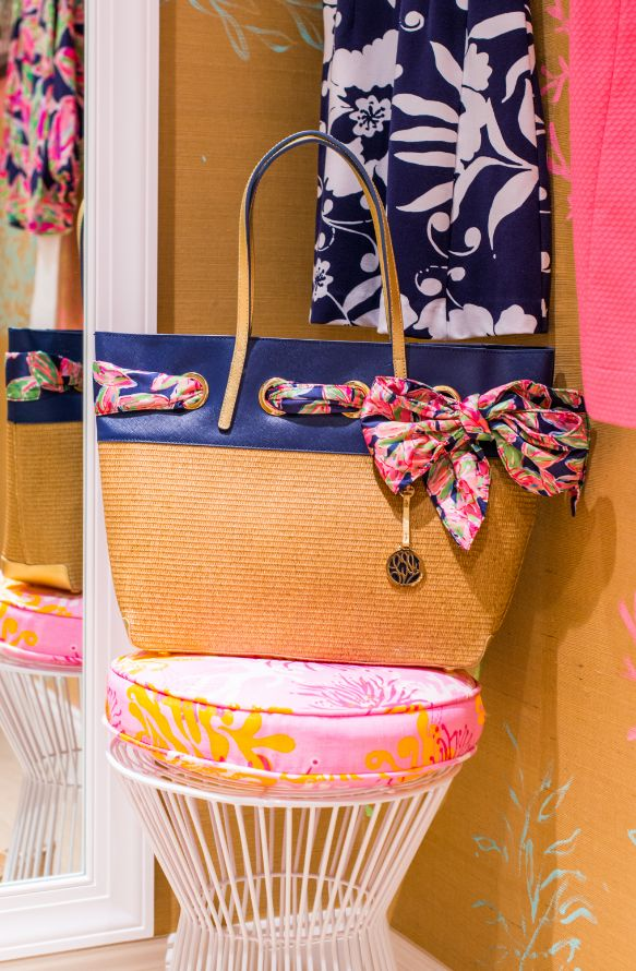 Love It Florida Style: In Love With This Lilly Pulitzer Straw Resort Tote